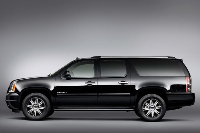 Large Suv Sales Stall But General Motors Still Profits Bloomberg