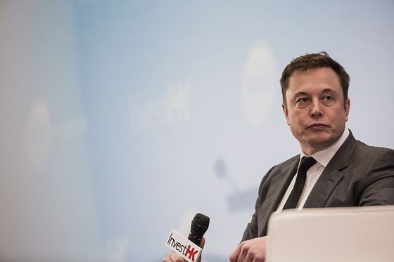 Tesla's Biggest Problem Is Busy Tweeting