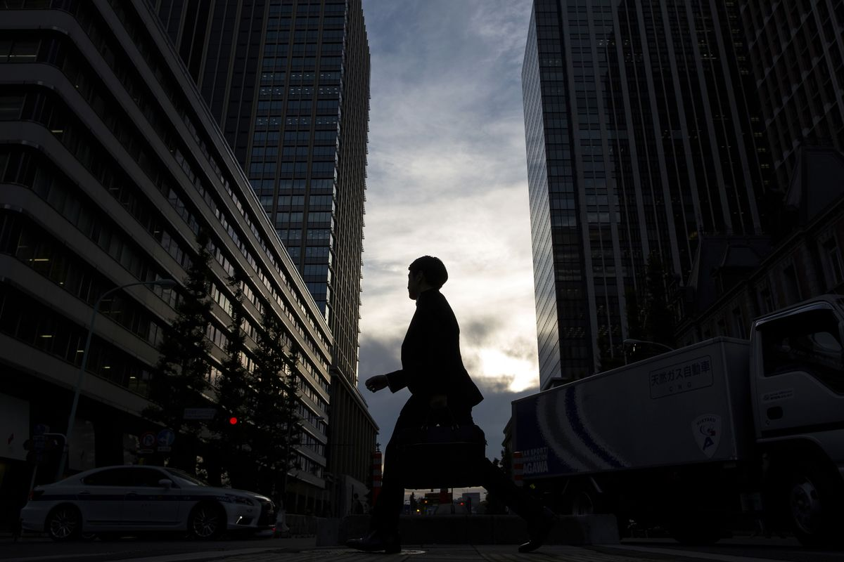 Robots to Cut 200,000 U.S. Bank Jobs in Next Decade, Study Says
