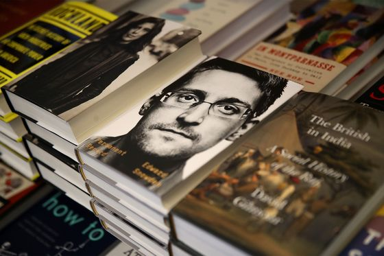Snowden Faces Possible Sanctions in Suit Over Tell-All Book