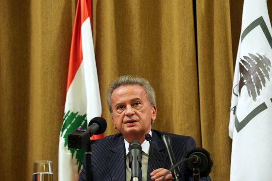 Lebanon's Salameh to Push IMF Talks But Dual Pound Rate to Stay
