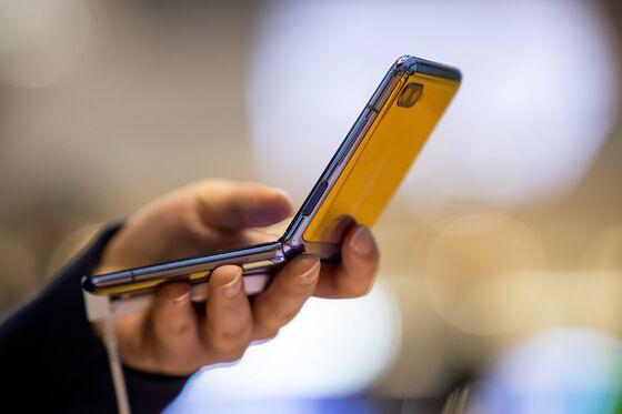 Global Smartphone Market SuffersWorst Contraction in History