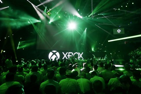 Attendees wait for the start of the Microsoft Xbox event ahead of the E3 Electronic Entertainment Expo in Los Angeles on Monday, June 15, 2015.