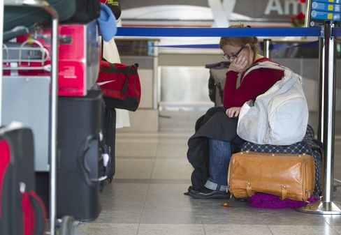 FAA Follows Congress by Ending Air-Traffic Controller Furloughs