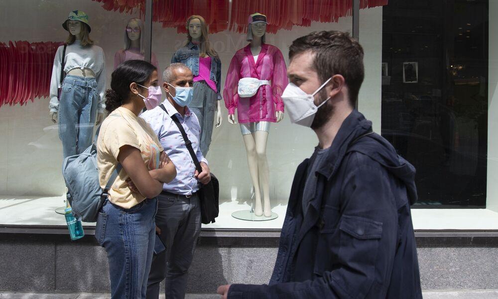 Coronavirus News Canada Montreal Is Even Deadlier Than Chicago Bloomberg
