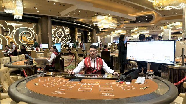 Wynn, Casino Stocks Battered After China Crackdown in Macau Gambling -  Bloomberg