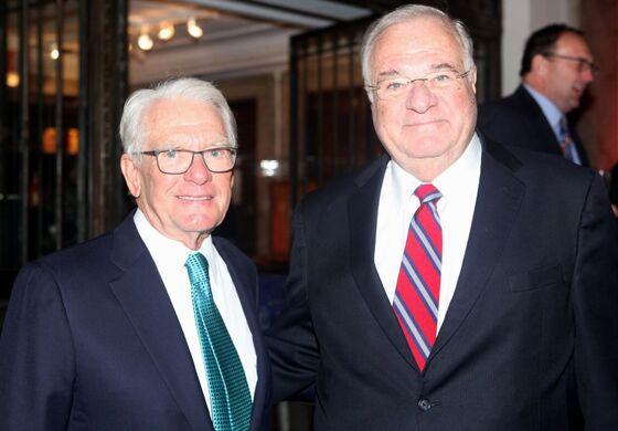 Billionaires Peterffy, Ricketts Squeezed as Schwab Cuts Fees