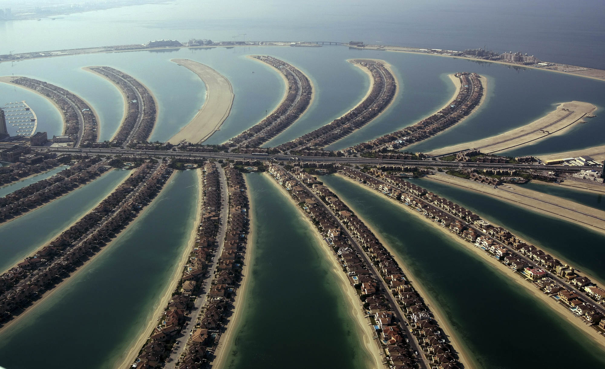 bloomberg.com - Zainab Fattah - A Haven for Money in the Middle East, Dubai Is Losing Its Shine