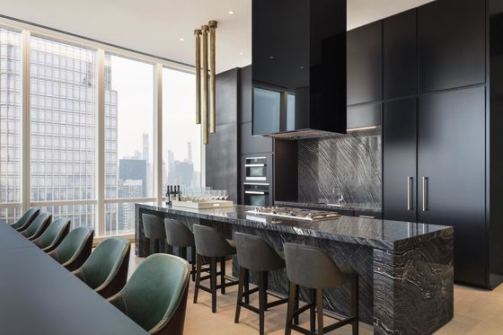 Will a Fancy Mall Help Sell Hudson Yards' Pricey Apartments?