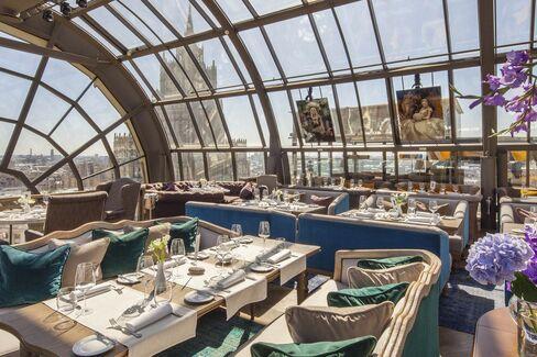 「世界のベストレストラン50」に選ばれた「ホワイト・ラビット」のダイニングルーム