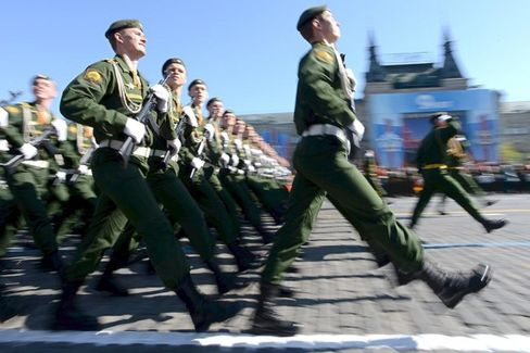 The Russian Forces on Ukraine's Border May Not Be as Formidable as They  Look