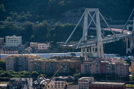 Benettons' Atlantia Offers Initial $570 Million After Genoa Bridge Collapse