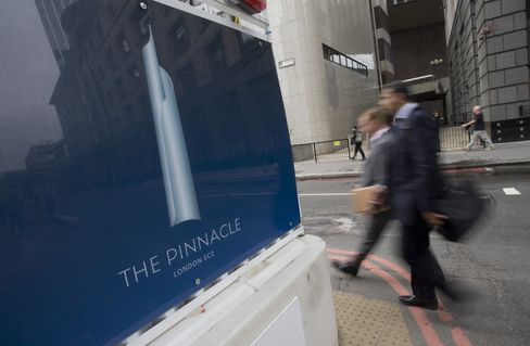 London Pinnacle Tower Owner Said to Be in Lease Talks