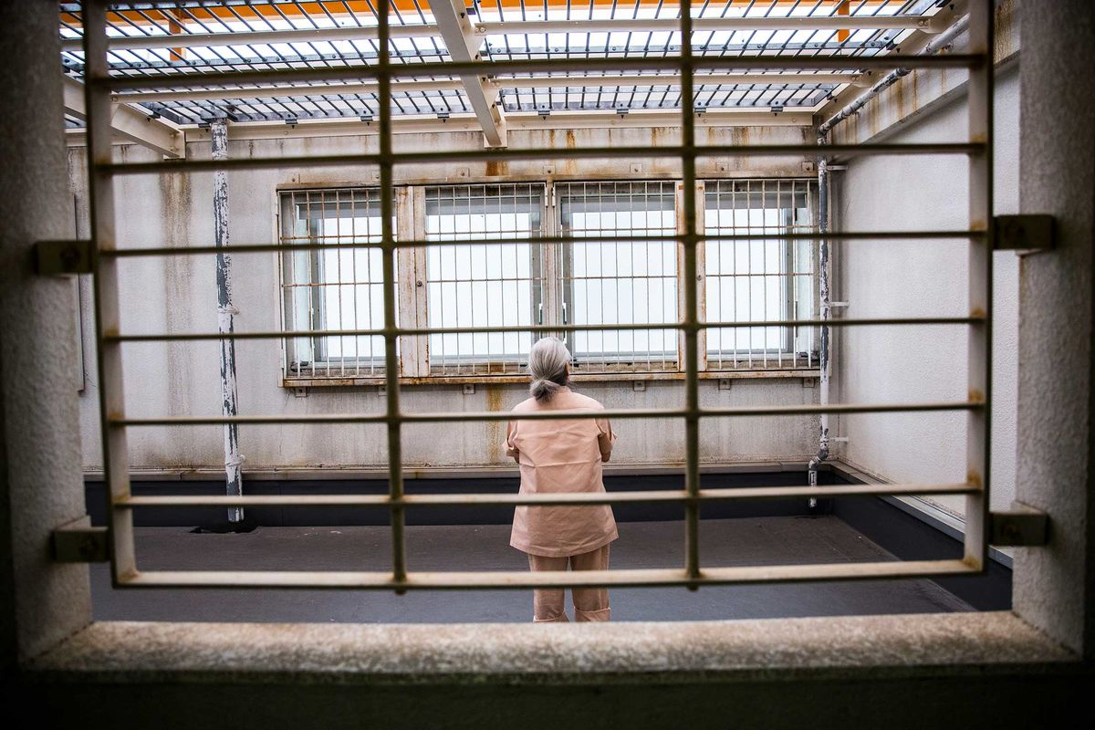 Japan's Prisons Are a Haven for Elderly Women - Bloomberg