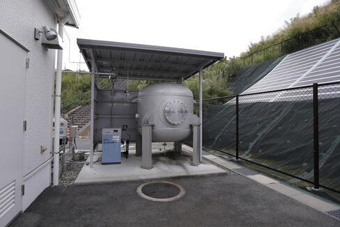水素貯蔵タンク