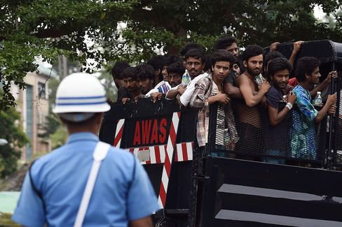 Bangladeshi and Rohingya Migrants