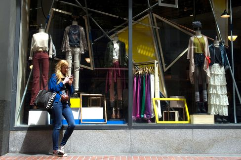 Urban Outfitters Falls Most in Three Years After CEO Resigns