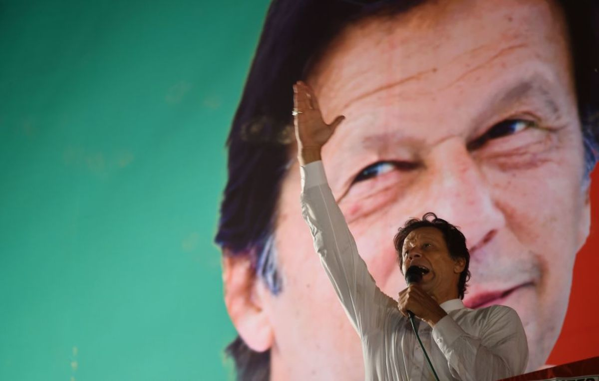 Imran Khan Wins Pakistan Parliament Vote to Stay Prime Minister thumbnail