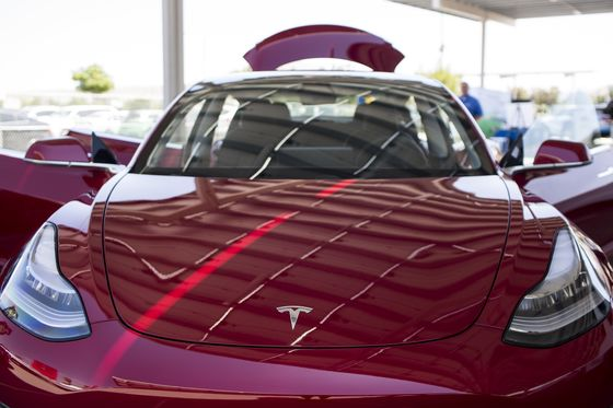 Boneheaded or Not, Here's What Tesla Watchers Want to AskElon Musk