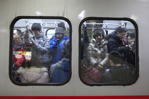 Beijing Opens Subways to Ease Congestion Amid Urbanization Drive