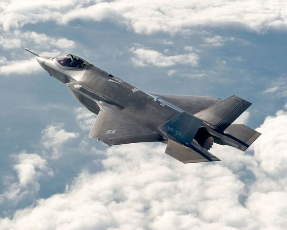 Air Force Wants Eight Upgraded Boeing Fighters Along With F-35s