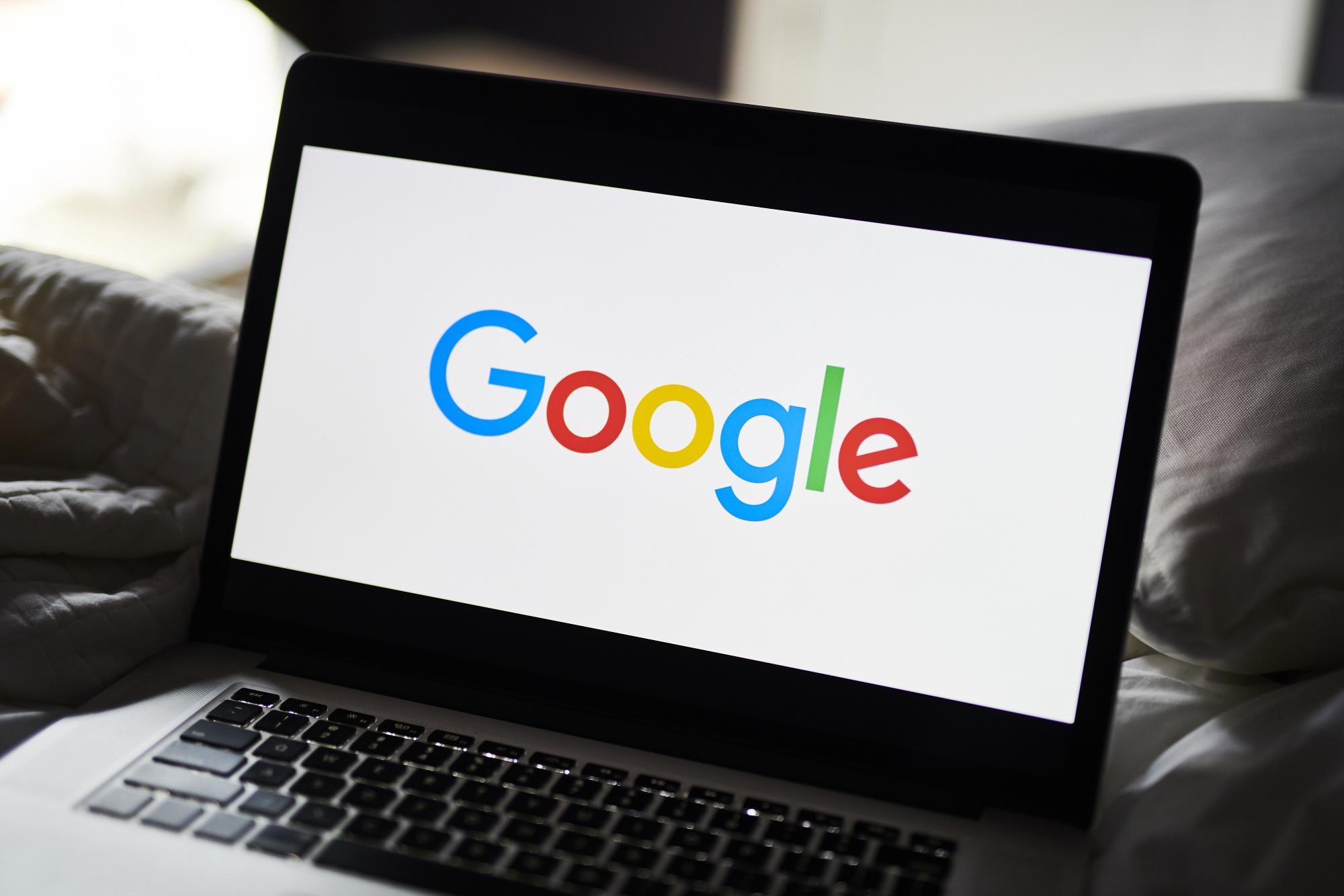 Alphabet Inc. Google et Gmail illustrations avant les chiffres de revenus