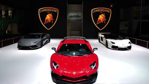 Lamborghini presented the new Aventador LP 750-4 Superveloce at the 2015 Auto Show in Shanghai.
