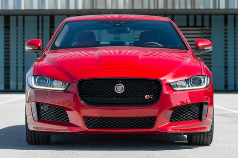 The front grill of the Jaguar XE S.