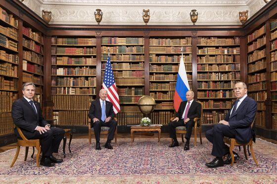 Biden, Putin Paper Over Splits as Both Claim Summit Wins