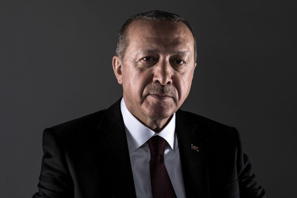 Macron Defends Magazine That Labeled Erdogan a 'Dictator'