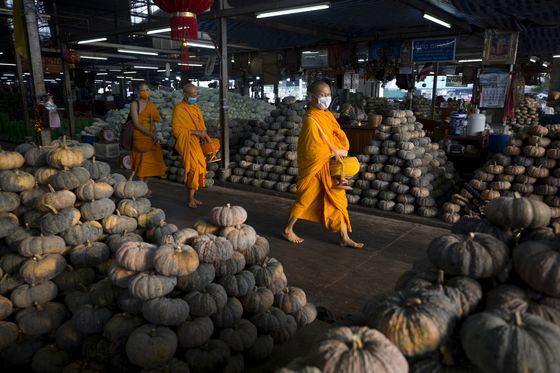 Thailand's Downturn Means Even the Monks Are Going Hungry