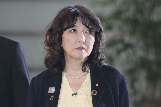 Japan Ruling Party Wants to Lure Hong Kong's Finance Workers