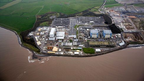 Hinkley Point B nuclear power station stands near Bridgwater, U.K., on Thursday, Dec. 17, 2015. Electricite