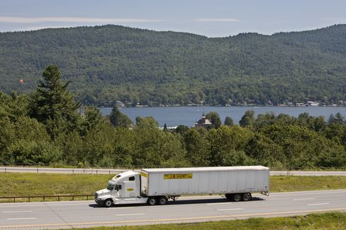 Driver Shortage Shows Gain in U.S. Truck Cargo