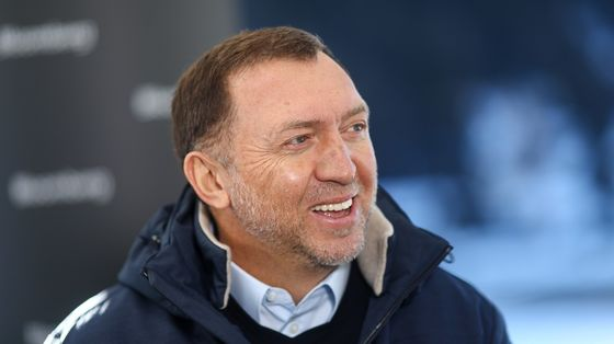 Still Sanctioned, Deripaska Returns to Davos to Talk Climate