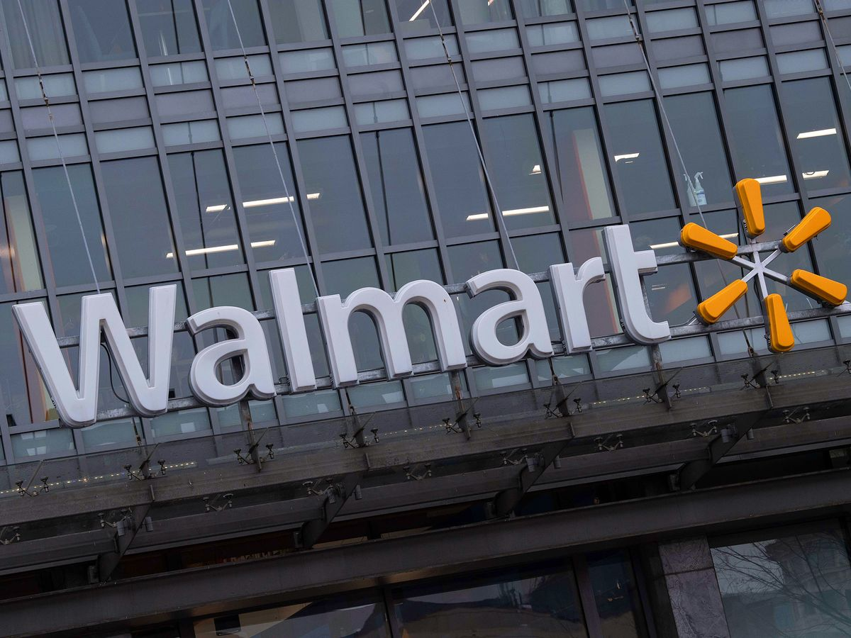 Walmart Loses Another Home-Delivery Provider Amid Amazon Clash