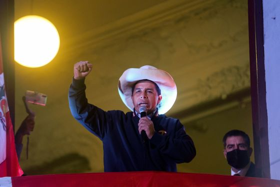Constitutional Crisis Roils Peru as Election Official Quits