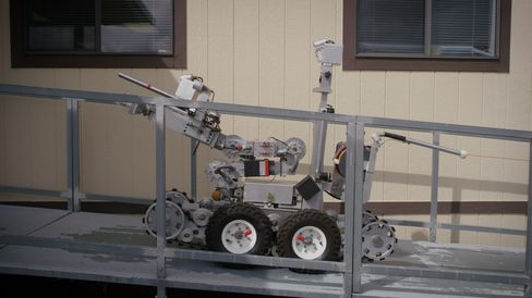 爆弾処理ロボット