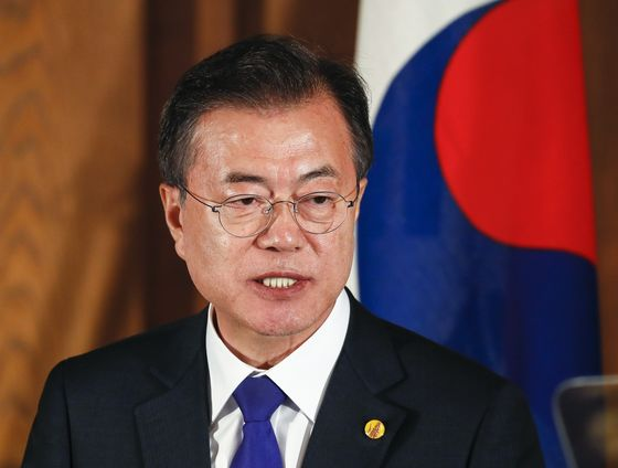 South Korea's Surprisingly Bad Economy Threatens Moon's Political Future