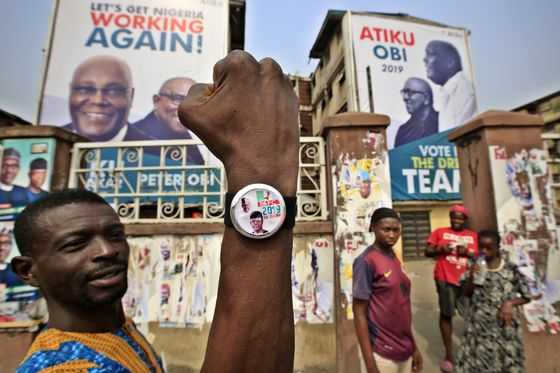 Nigerian Voters Face Ballot Delays and Sporadic Violence