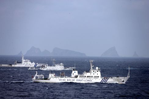 Japan-China Defense Officials to Meet as Island Tensions Flare