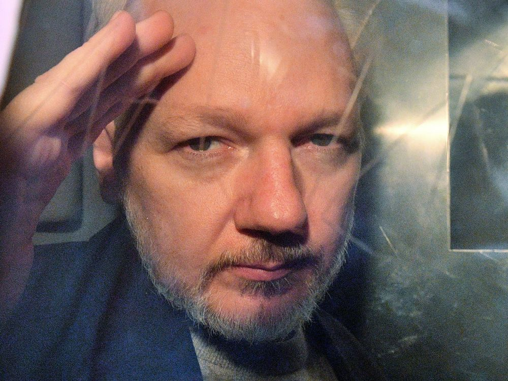 Swedish Prosecutor Requests Assange Be Detained in Absence