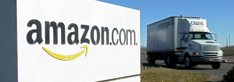 Amazons Delivery Dream Is A Nightmare For Fedex And Ups Bloomberg