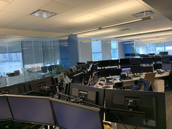 A Few Wall Street Traders Stayed When Everyone Fled the Office