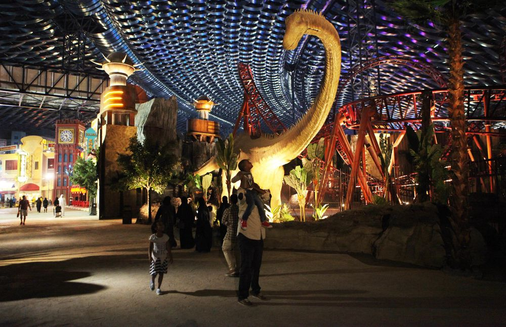 Dubai's IMG Said to Weigh Sale of Largest Indoor Theme Park