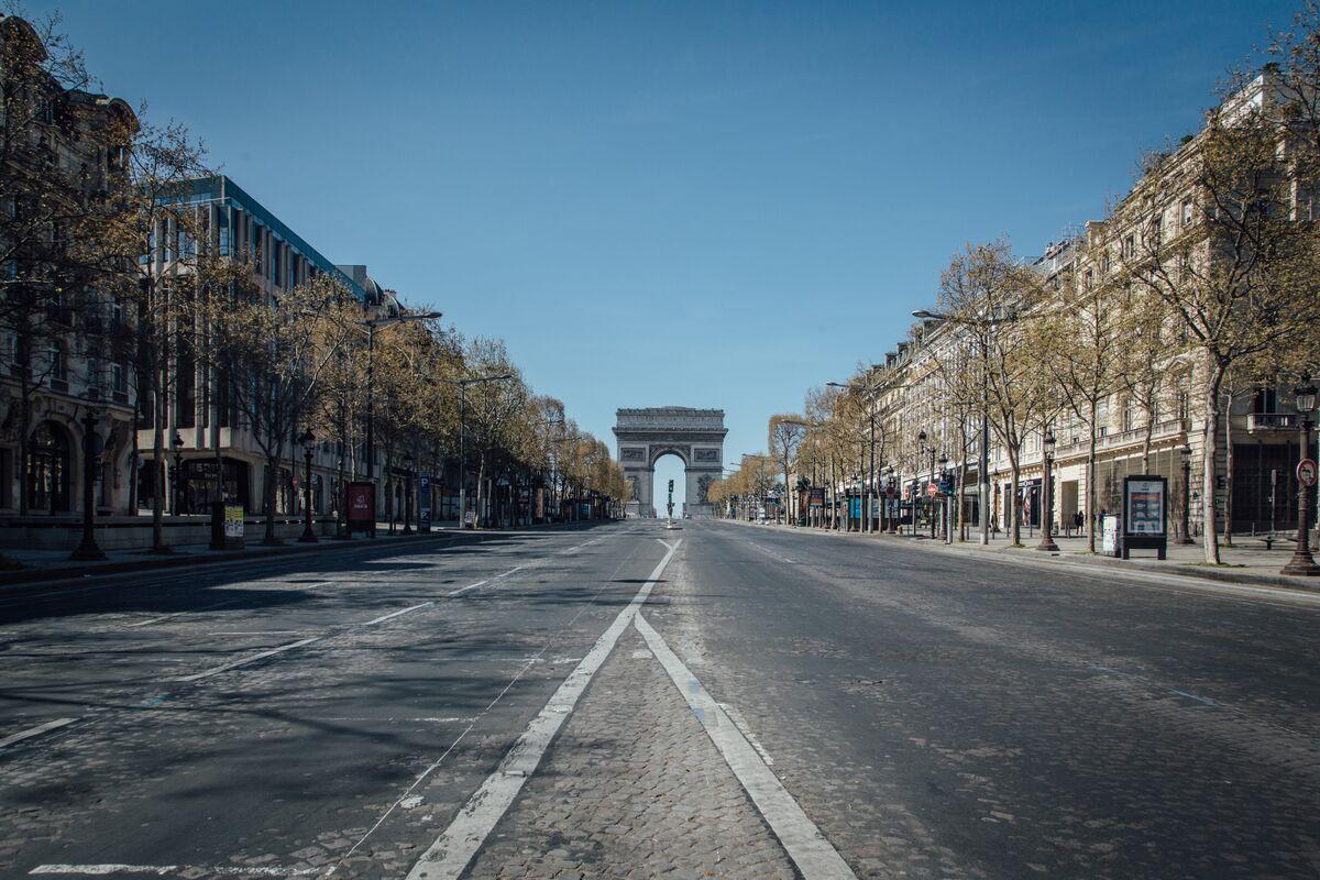 France's Radical Economic Estimate Shines a Light in Virus Fog