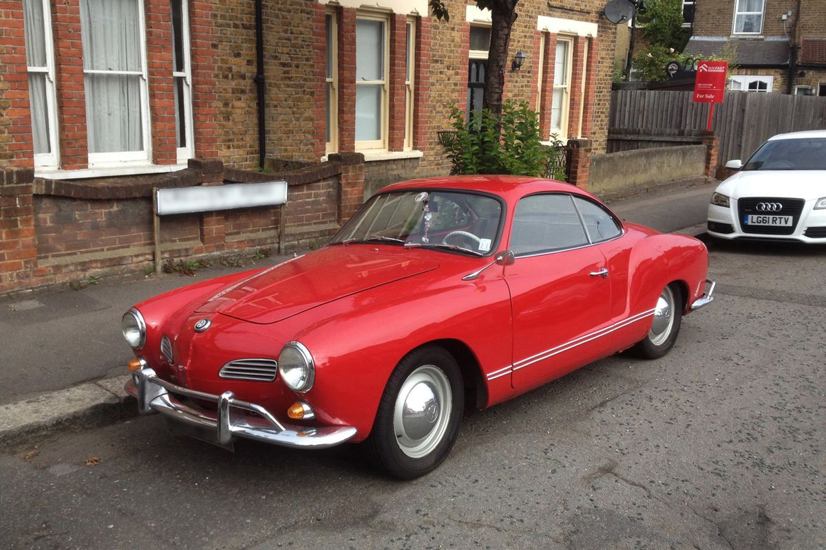 The Volkswagen Karmann Ghia Is a Great Starter Classic Car - Bloomberg