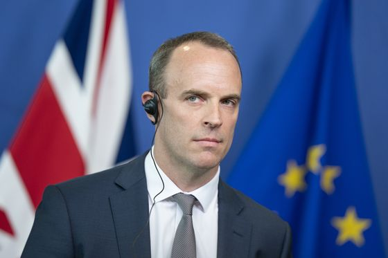 Raab Rows Back on May's Brexit Compromise, Telegraph Says