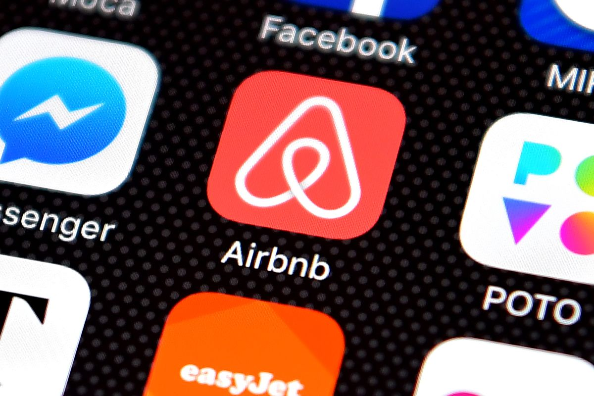 Techmeme: Sources: Airbnb plans to launch new service for
