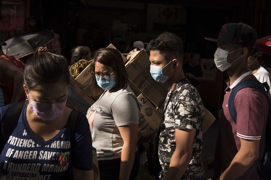 China Vows to Support Market, U.S. Limits Flights: Virus Update
